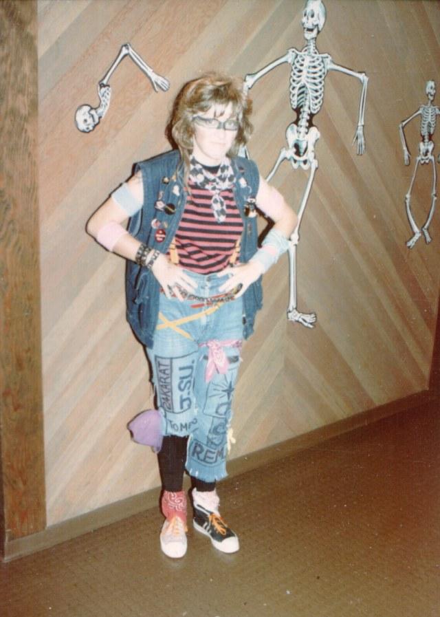 Cathy Abernathy - costume